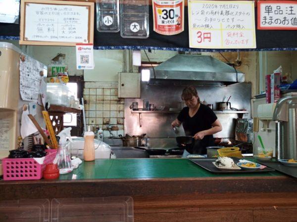 グランド食堂のキッチン