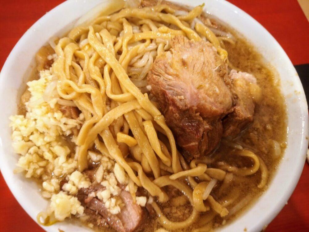 沖縄の二郎系ラーメン